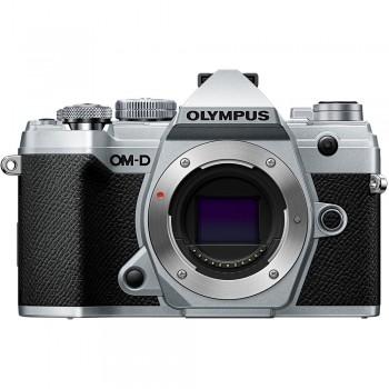 OLYMPUS E-M5 MARK III...